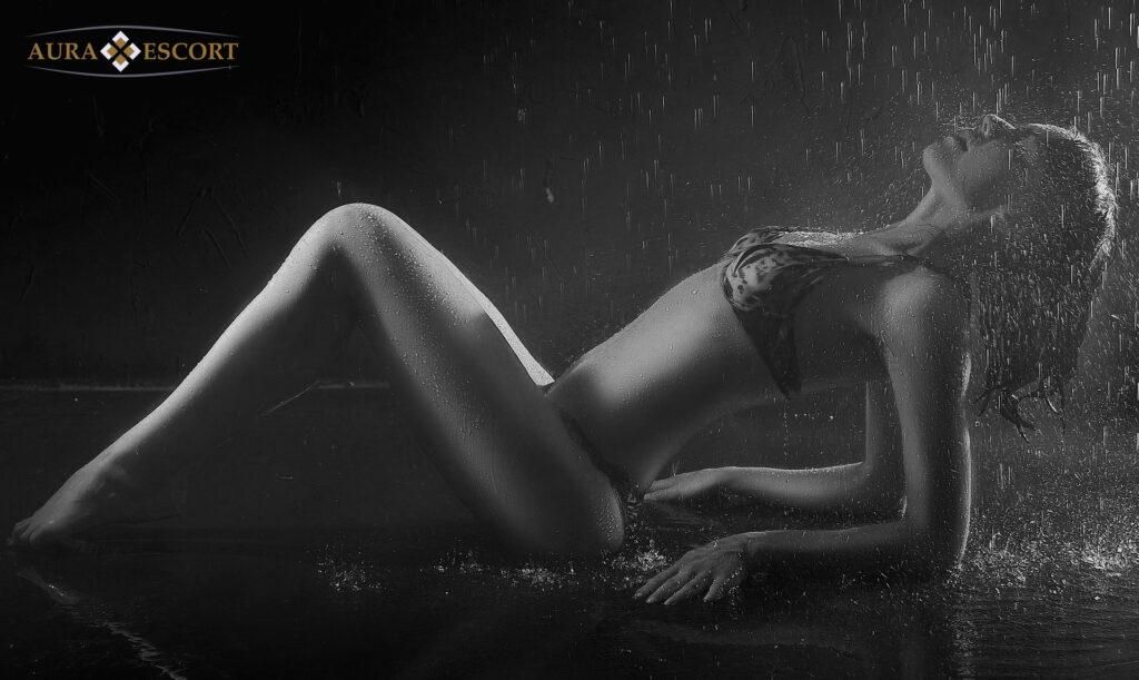 Aura Escort Körperbesamung sexy Model
